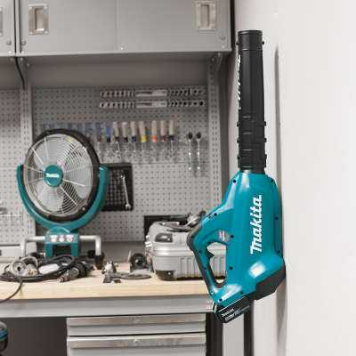 Makita Wall mount for xbu02pt leaf blower